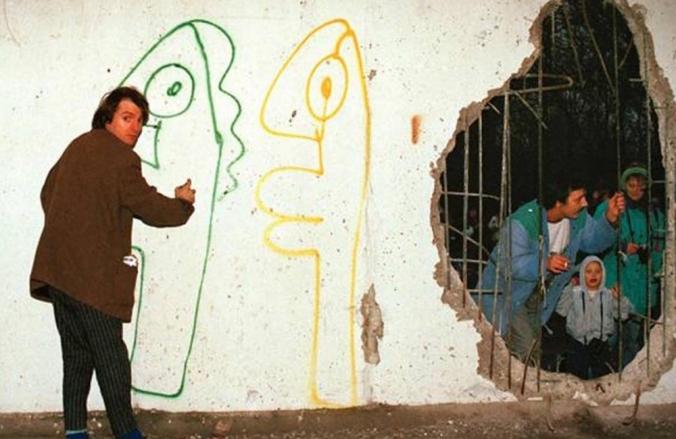 Noir Berlin Wall